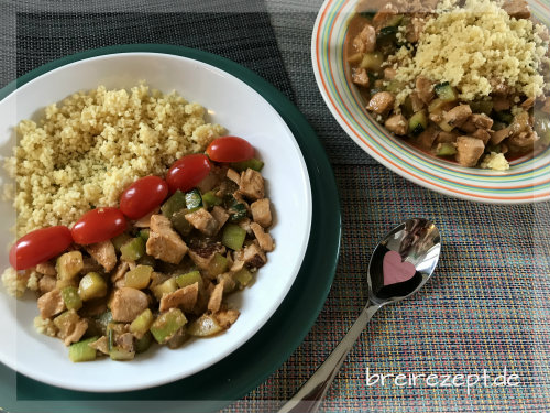 lachs-zucchini-pfanne-couscous